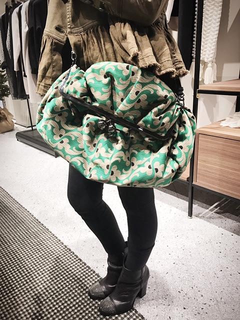 bag-holding-1